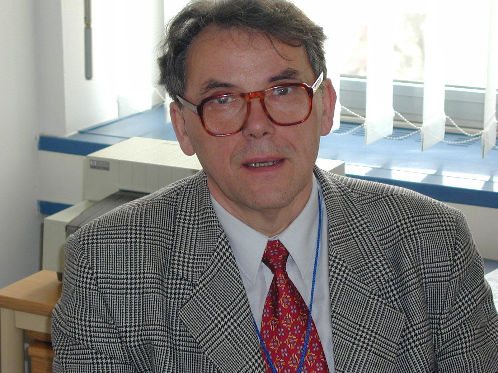 dr. sc. Ivica Oslić - urednik ove rubrike